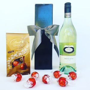 Brown Brothers Moscato, Wine, Wine hamper, Chocolate, Chocolate gift box, Corporate gifts, realestate gifts, christmas, gift boxes, hampers, gift baskets, gift hampers sydney, christmas hampers Sydney, chocolate hampers, wine hampers, wedding gifts, Christmas hampers, Christmas baskets, gourmet hampers, gourmet gift baskets, gourmet Christmas hampers, gourmet hampers Sydney, Lindt gift box